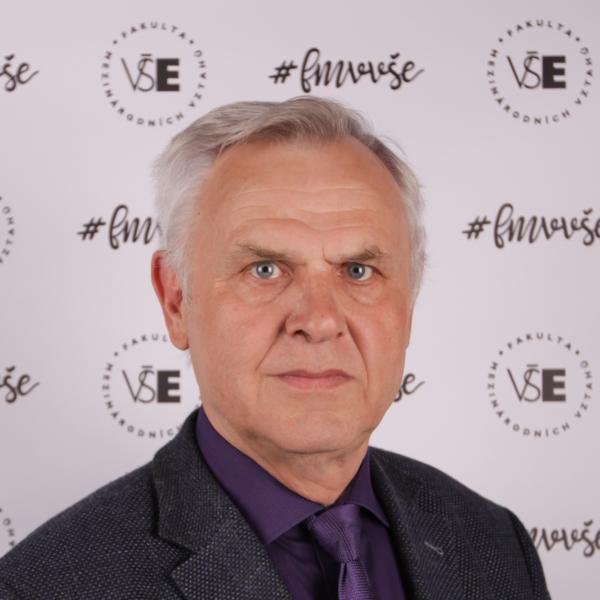 prof. PhDr. Zdeněk Veselý, CSc.