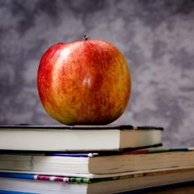 Státní zkoušky a obhajoby na SMSJM; aktuální COVID-19 info